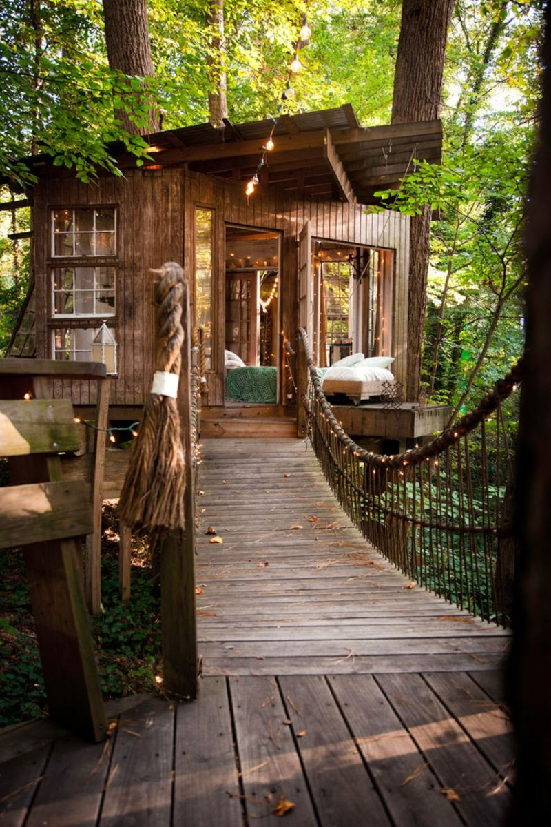 Secluded-Intown-Treehouse-08-850x1275