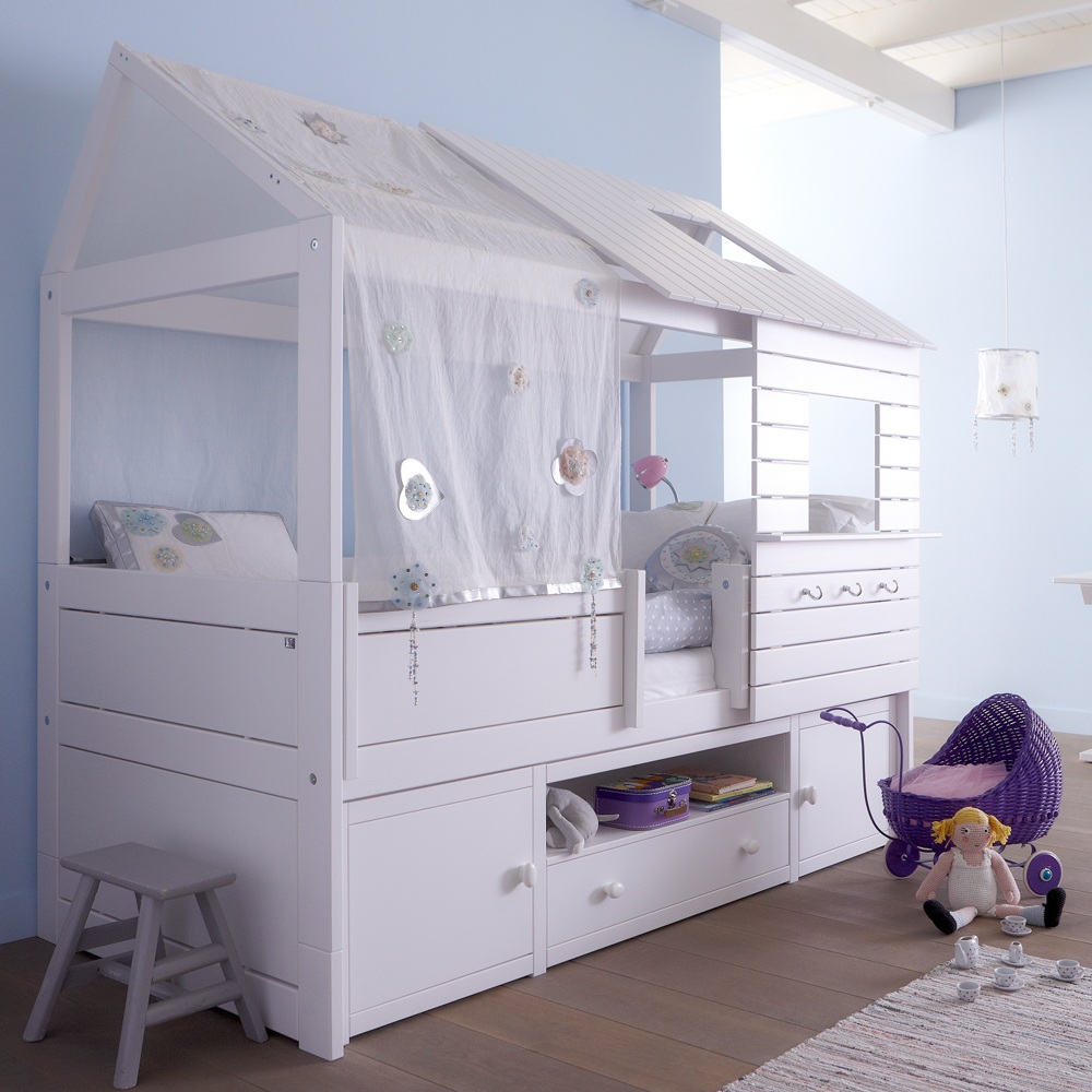 Silver-Sparkle-Low-Hut-Bed